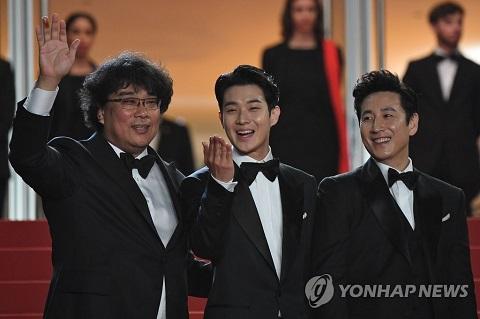 韓國電影《寄生蟲》戛納首映獲8分鐘起立鼓掌