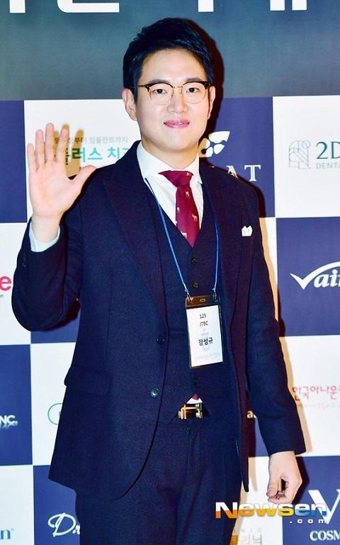張成圭主持tvN新綜藝《Super Hearer》